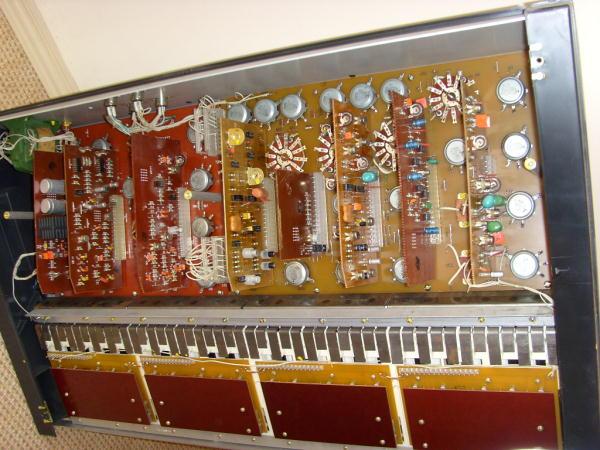 почти модульный синтезатор